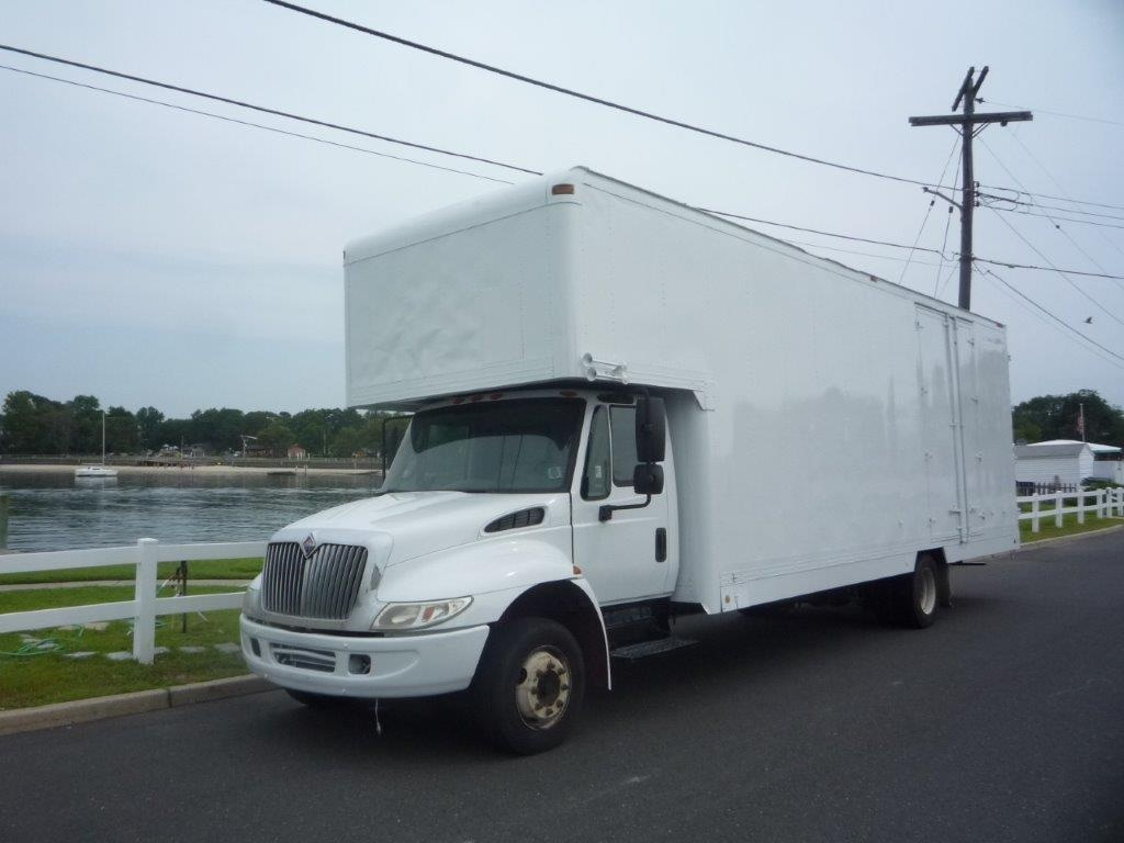 USED 2005 INTERNATIONAL 4300 MOVING TRUCK #11677