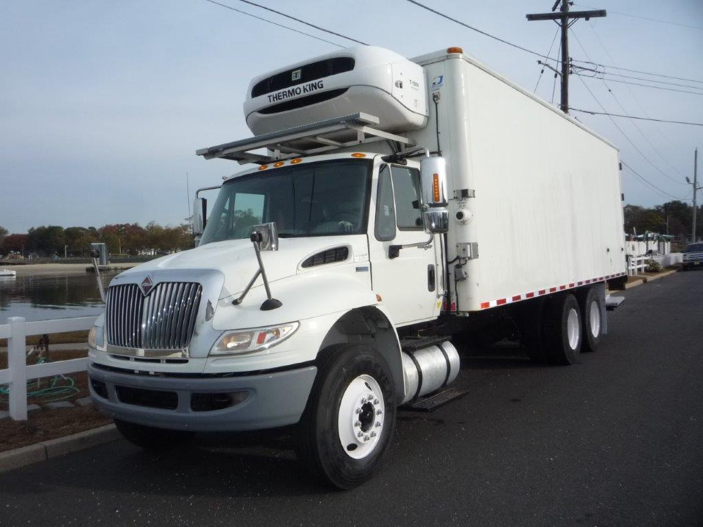 USED 2011 INTERNATIONAL 4400 6X4 REEFER TRUCK #11715
