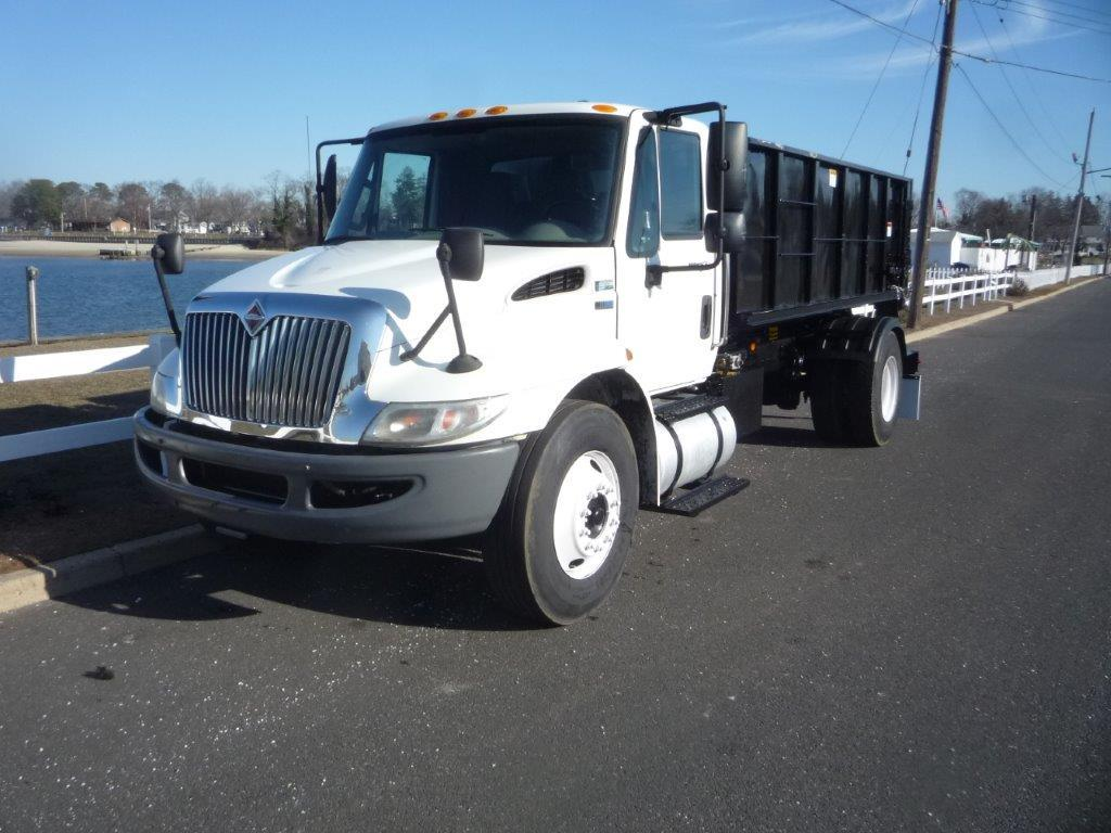 USED 2012 INTERNATIONAL 4300 HOOKLIFT TRUCK #11784