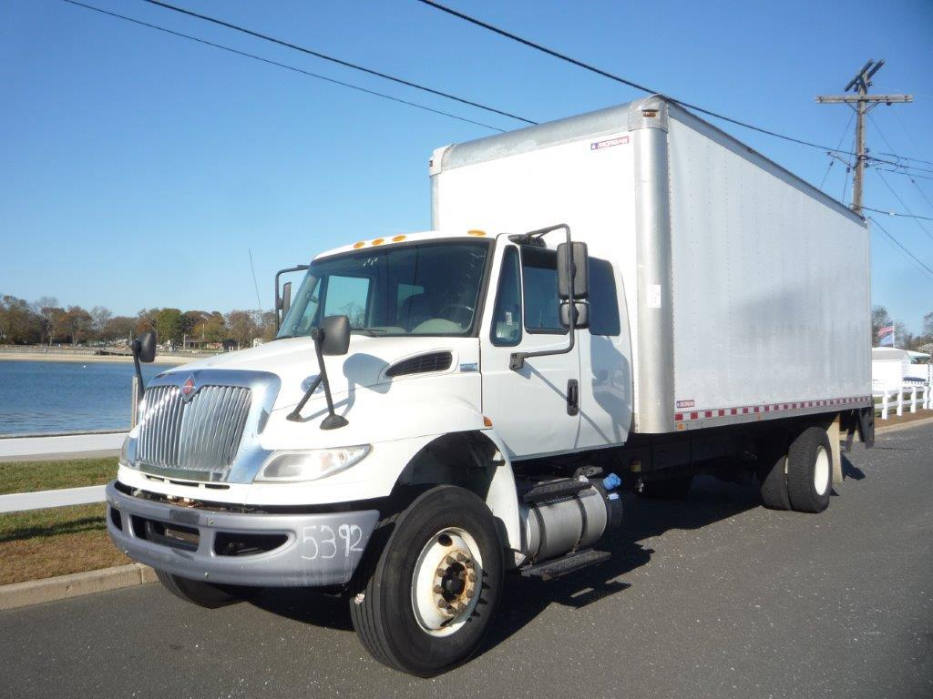 USED 2016 INTERNATIONAL 4300 BOX VAN TRUCK #11924