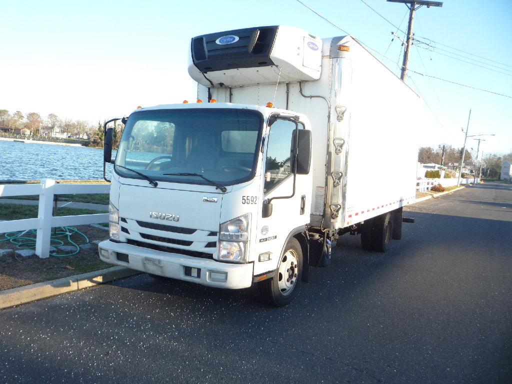 USED 2016 ISUZU NQR REEFER TRUCK #11958