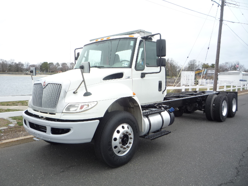 USED 2016 INTERNATIONAL 4400 6 X 4 CAB CHASSIS TRUCK #12012