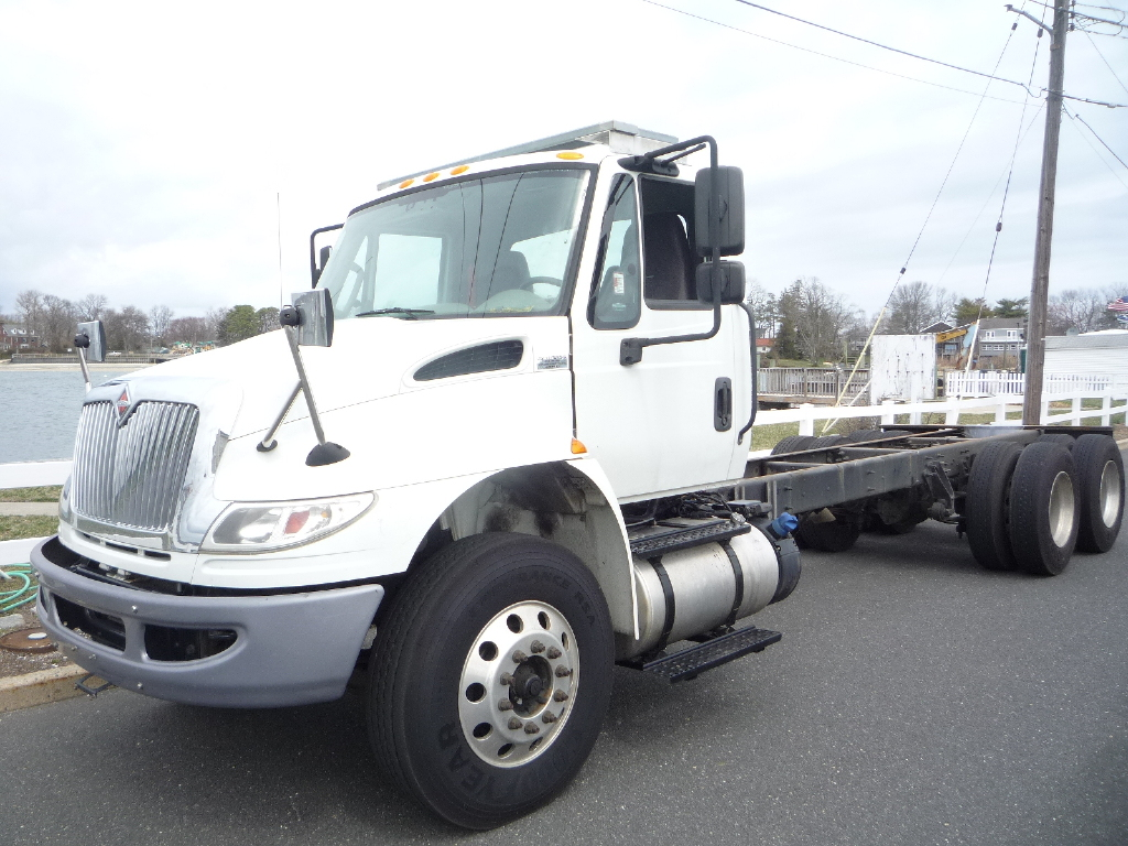 USED 2016 INTERNATIONAL 4400 6 X 4 CAB CHASSIS TRUCK #12013