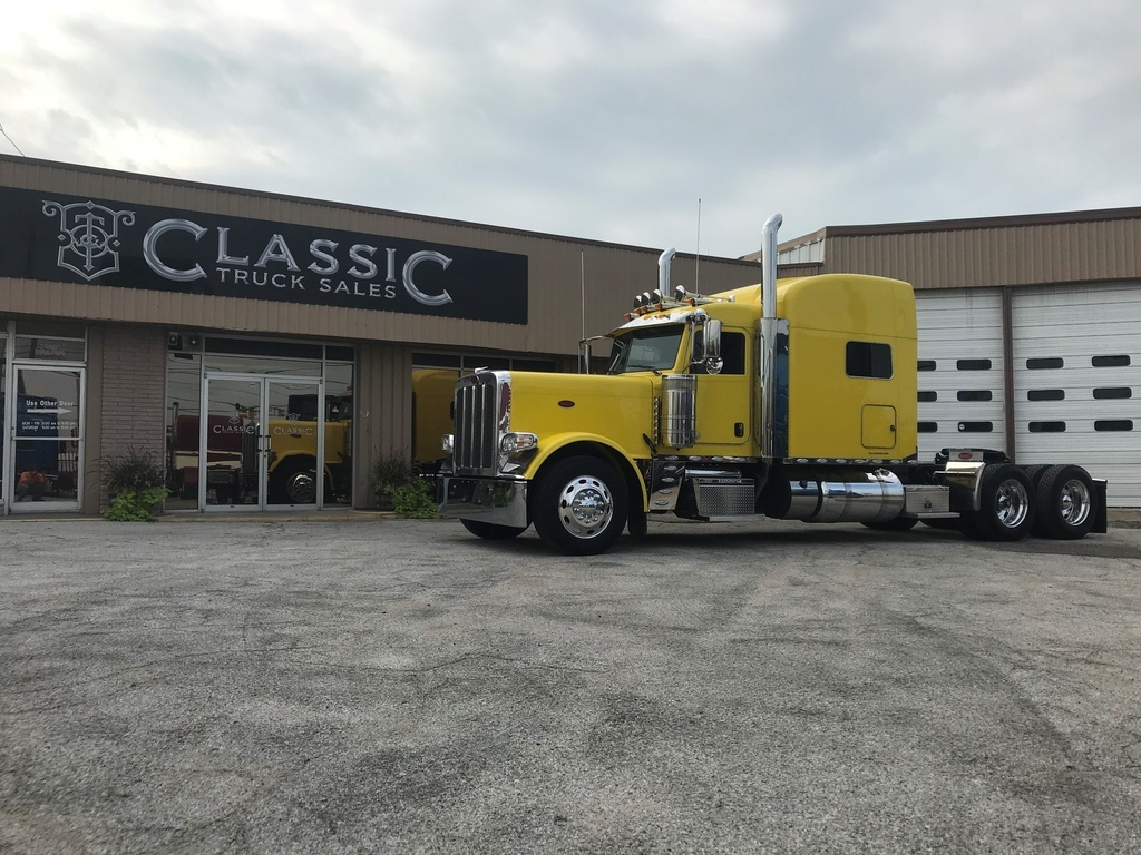 USED 2019 PETERBILT 389 TANDEM AXLE SLEEPER TRUCK #3045