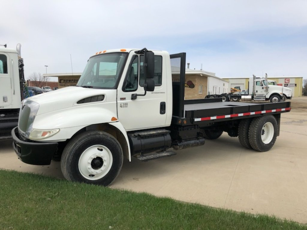 Flatbed For Sale >> 2006 International 4300 Flatbed Truck For Sale 1065