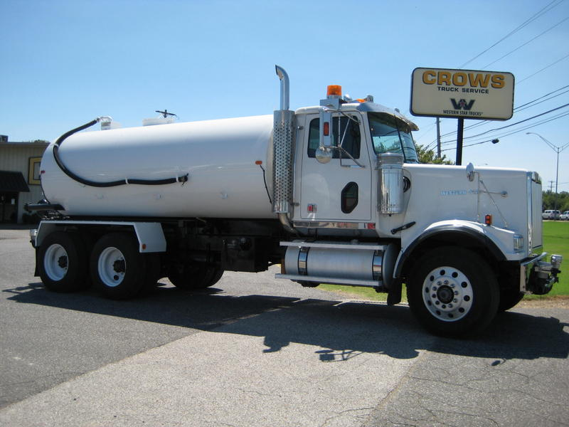 USED 2007 WESTERN STAR 4900FA WATER TRUCK #1026