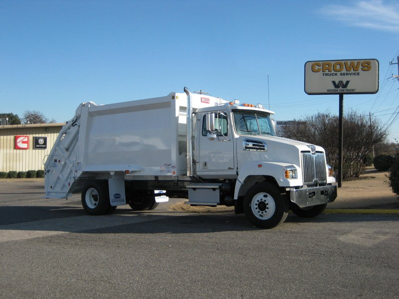 NEW 2016 WESTERN STAR 4700SF GARBAGE TRUCK #1053