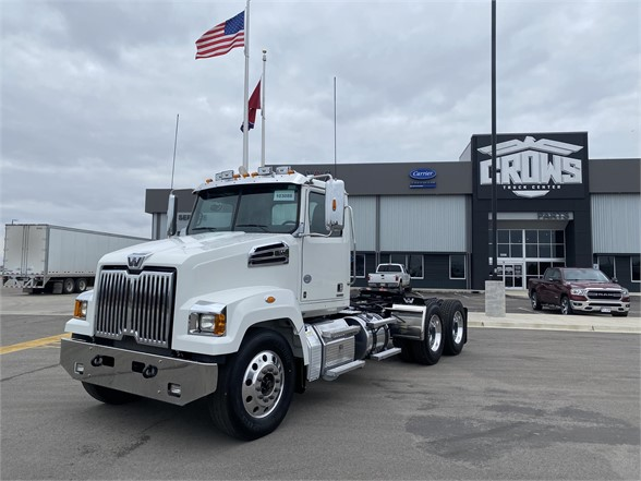 USED 2019 WESTERN STAR 4700SF DAYCAB TRUCK #1215