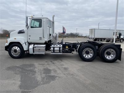 USED 2019 WESTERN STAR 4700SF DAYCAB TRUCK #1215-7