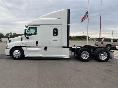 USED 2016 FREIGHTLINER CASCADIA 125 SLEEPER TRUCK #1278-6