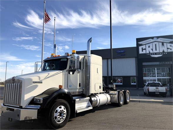 USED 2013 KENWORTH T800 SLEEPER TRUCK #1318