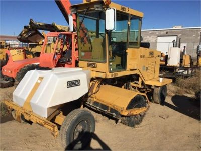 USED 1999 ROSCO RB48 SWEEPER EQUIPMENT #1138-1