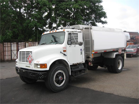 USED 1993 INTERNATIONAL 4900 FUEL-LUBE TRUCK #1144