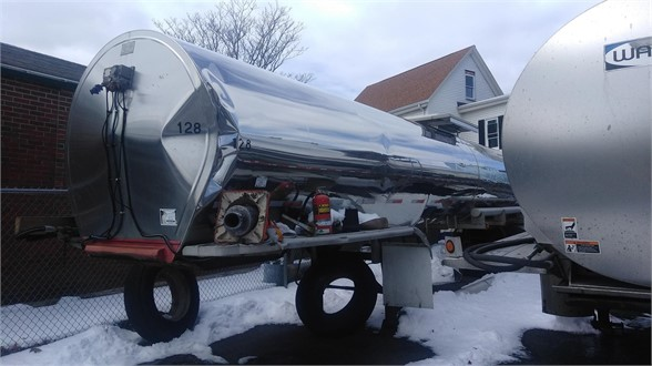 USED 1985 BAR-BELL 5,000 GAL STAINLESS STEEL INSULATED SANITARY TANKE SANITARY TANKER TRAILER #665
