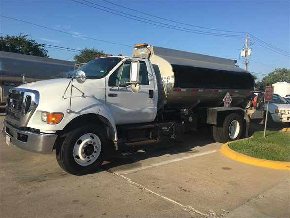 USED 2007 FORD F750 SD FUEL-LUBE TRUCK #892