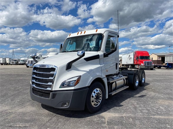 NEW 2021 FREIGHTLINER CASCADIA 126 DAYCAB TRUCK #1154