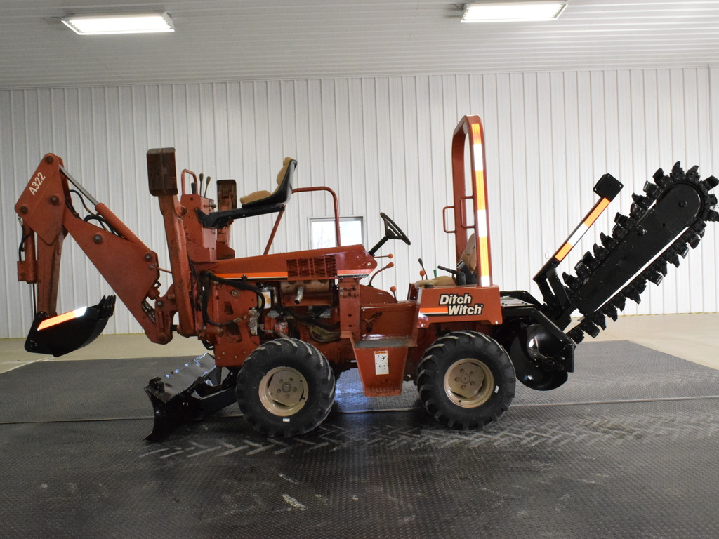 USED 1998 DITCH WITCH 3610 RIDE-ON TRENCHER - VIBRATORY PLOW EQUIPMENT #2508