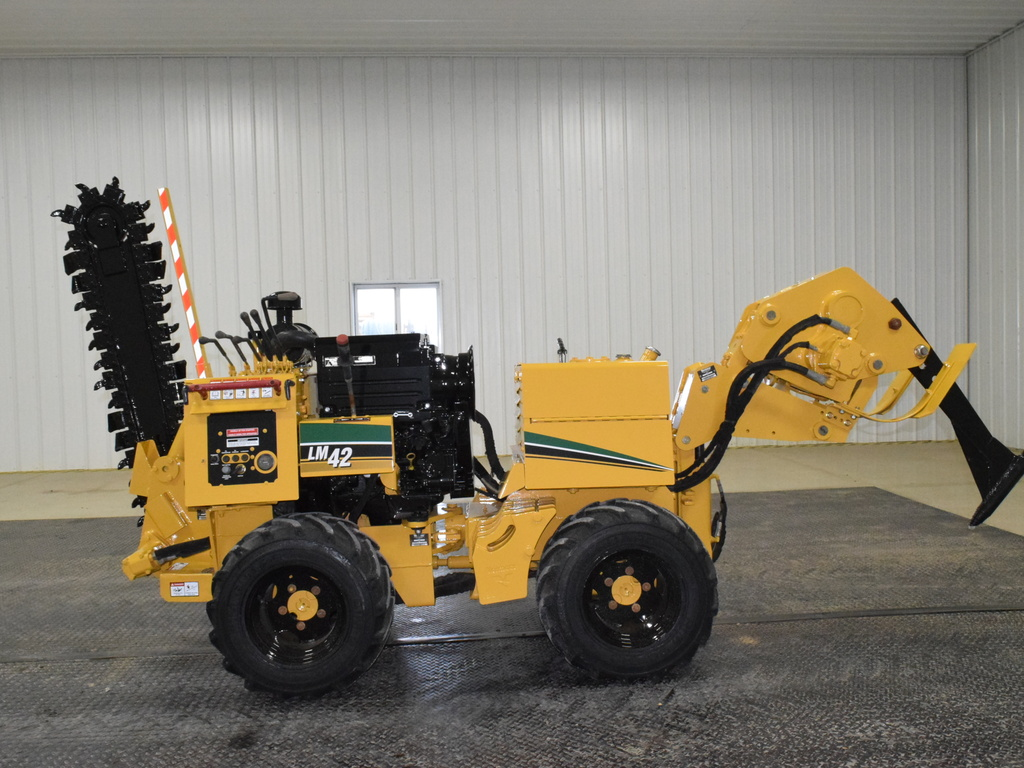 USED 2008 VERMEER LM42 WALK-BESIDE TRENCHER - VIBRATORY PLOW EQUIPMENT #2662