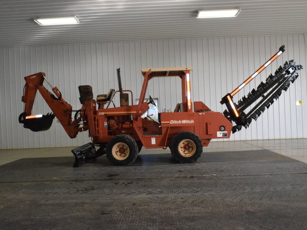 USED 1998 DITCH WITCH 5110 RIDE-ON TRENCHER - VIBRATORY PLOW EQUIPMENT #2755