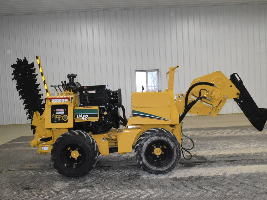 USED 2008 VERMEER LM42 WALK-BESIDE TRENCHER - VIBRATORY PLOW EQUIPMENT #2795
