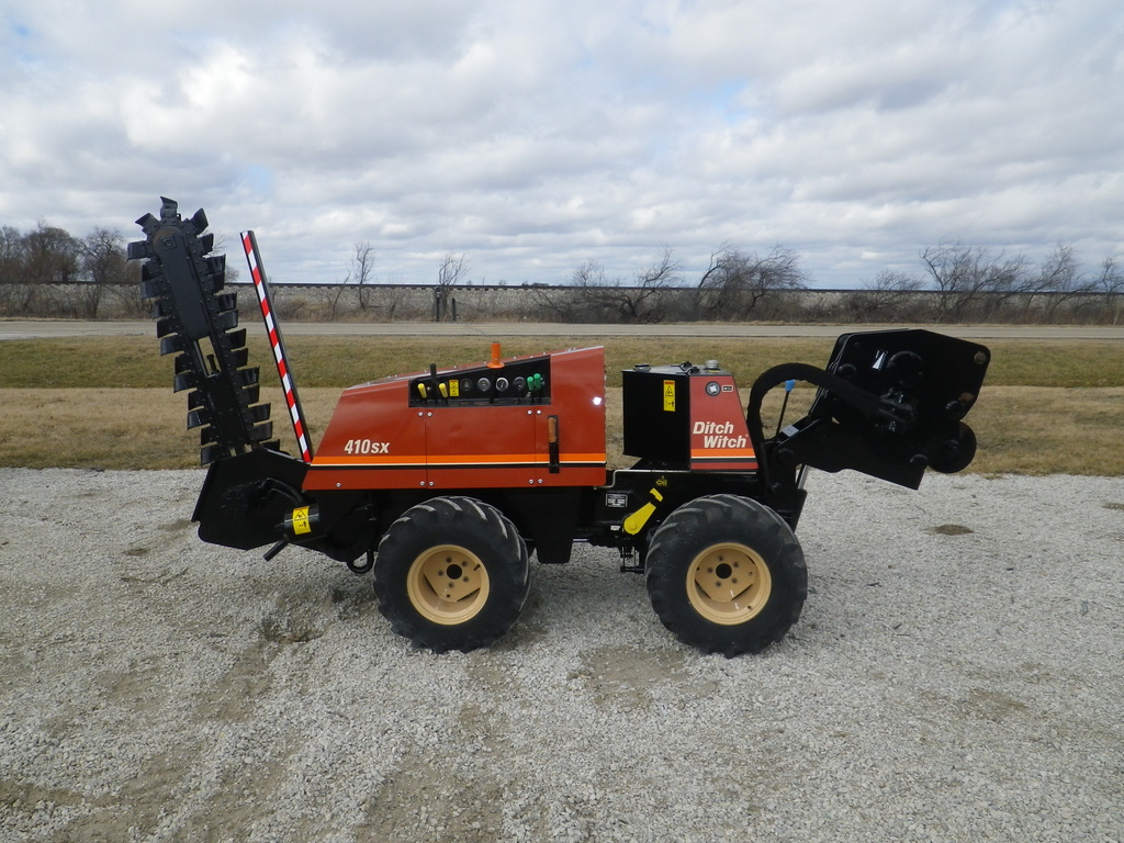 USED 2000 DITCH WITCH 410SX WALK-BESIDE TRENCHER - VIBRATORY PLOW EQUIPMENT #2801
