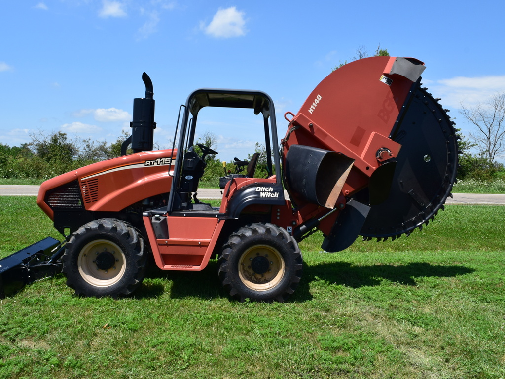 USED 2006 DITCH WITCH RT115 ROCK SAW H1140 ROCK SAW EQUIPMENT #2813