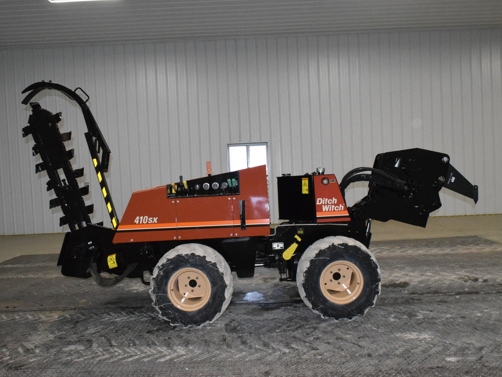 USED 2004 DITCH WITCH 410SX WALK-BESIDE TRENCHER - VIBRATORY PLOW EQUIPMENT #2835