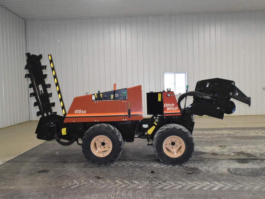 USED 2005 DITCH WITCH 410SX WALK-BESIDE TRENCHER - VIBRATORY PLOW EQUIPMENT #2837
