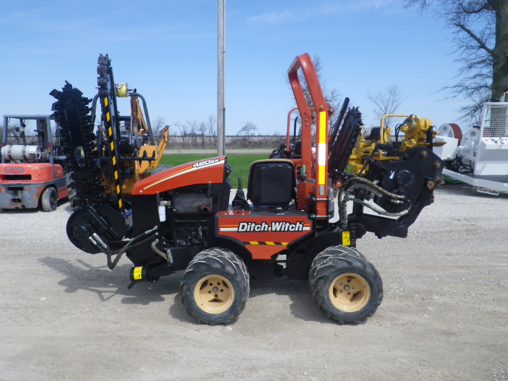 USED 2007 DITCH WITCH 420SX WALK-BESIDE TRENCHER EQUIPMENT #2883