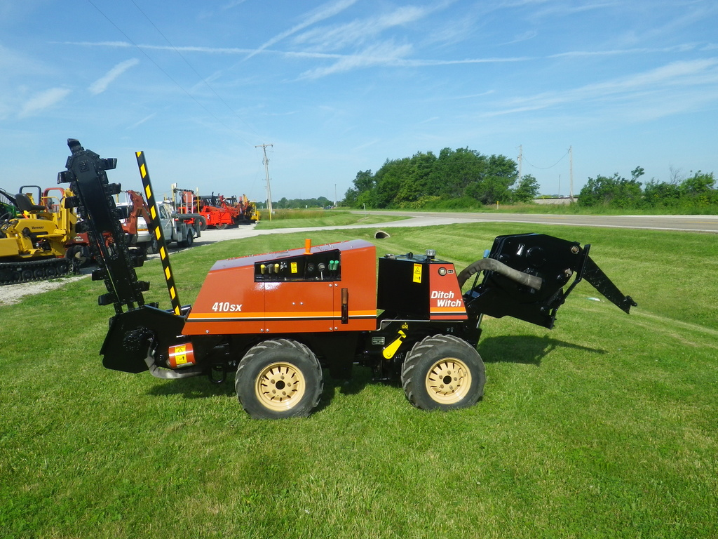 USED 2007 DITCH WITCH 410SX WALK-BESIDE TRENCHER - VIBRATORY PLOW EQUIPMENT #2937