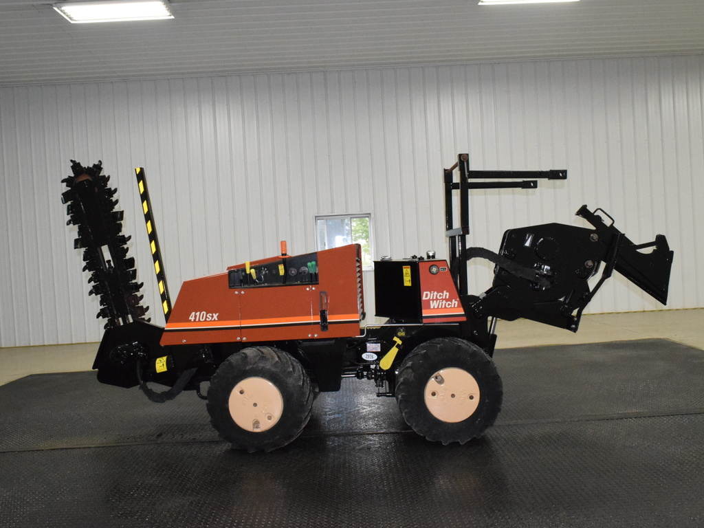 USED 2008 DITCH WITCH 410SX WALK-BESIDE TRENCHER - VIBRATORY PLOW EQUIPMENT #2976