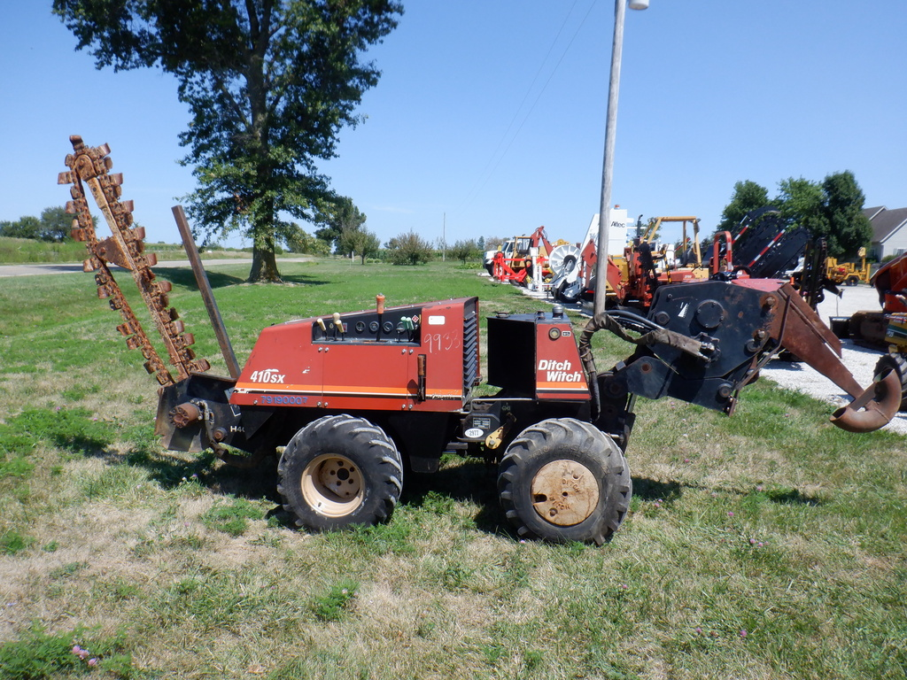 USED 2003 DITCH WITCH 410SX WALK-BESIDE TRENCHER - VIBRATORY PLOW EQUIPMENT #2977
