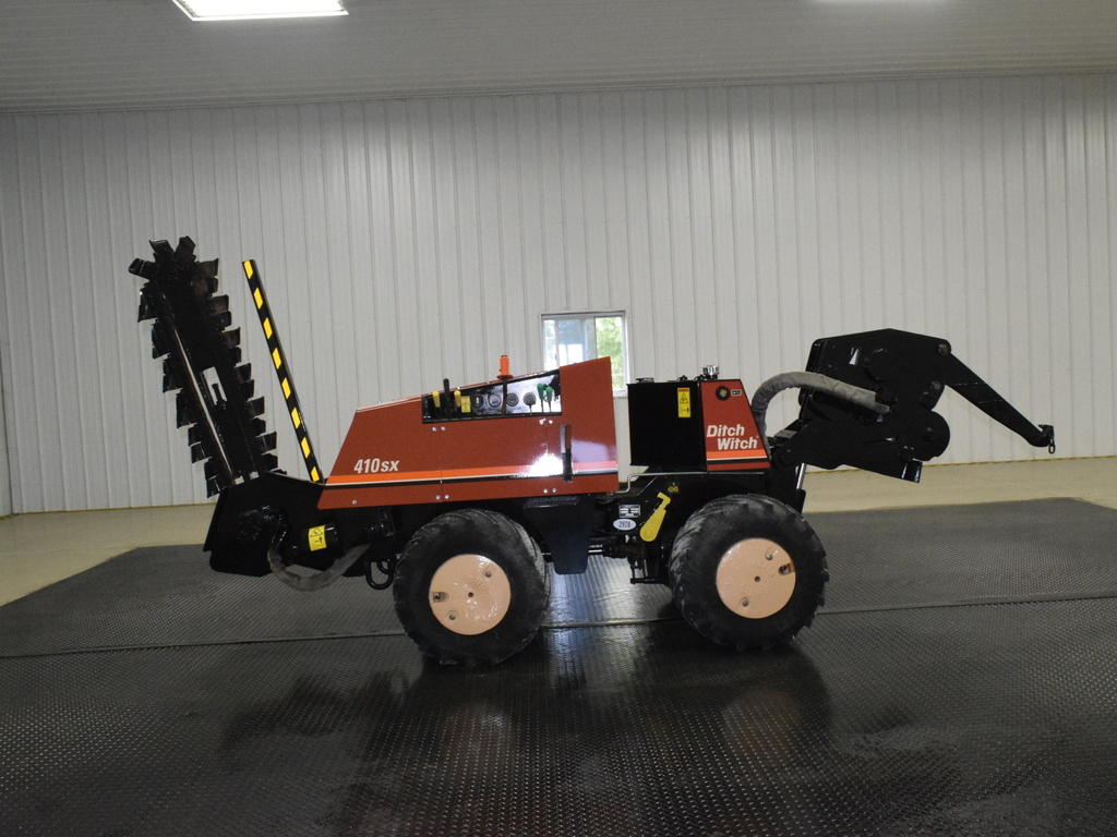 USED 2004 DITCH WITCH 410SX WALK-BESIDE TRENCHER - VIBRATORY PLOW EQUIPMENT #2978
