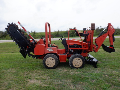 USED 2008 DITCH WITCH RT40 RIDE-ON TRENCHER - VIBRATORY PLOW EQUIPMENT #2981-4