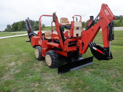 USED 2008 DITCH WITCH RT40 RIDE-ON TRENCHER - VIBRATORY PLOW EQUIPMENT #2981-5