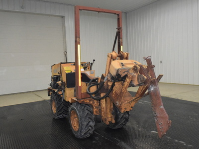 USED 1987 CASE MAXI SNEAKER B WALK-BESIDE VIBRATORY PLOW EQUIPMENT #3062-3