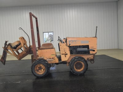 USED 1987 CASE MAXI SNEAKER B WALK-BESIDE VIBRATORY PLOW EQUIPMENT #3062-4