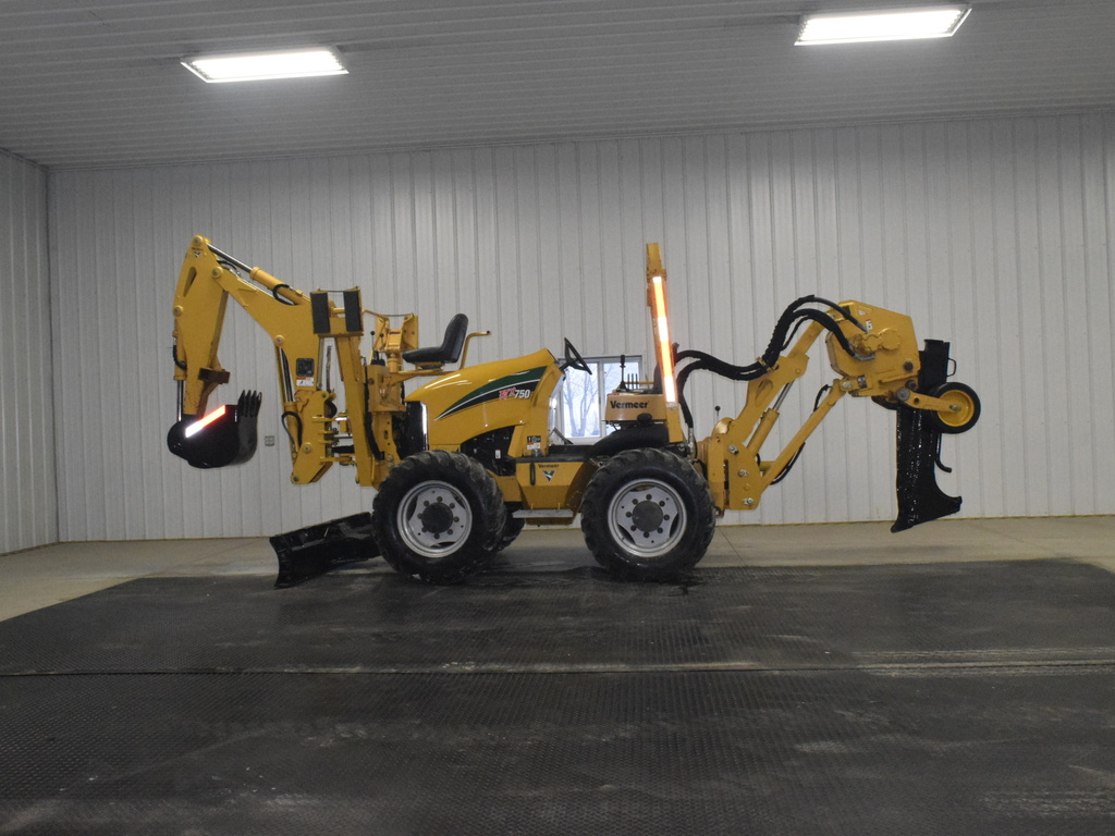 USED 2011 VERMEER RTX750 RIDE-ON TRENCHER - VIBRATORY PLOW EQUIPMENT #3118