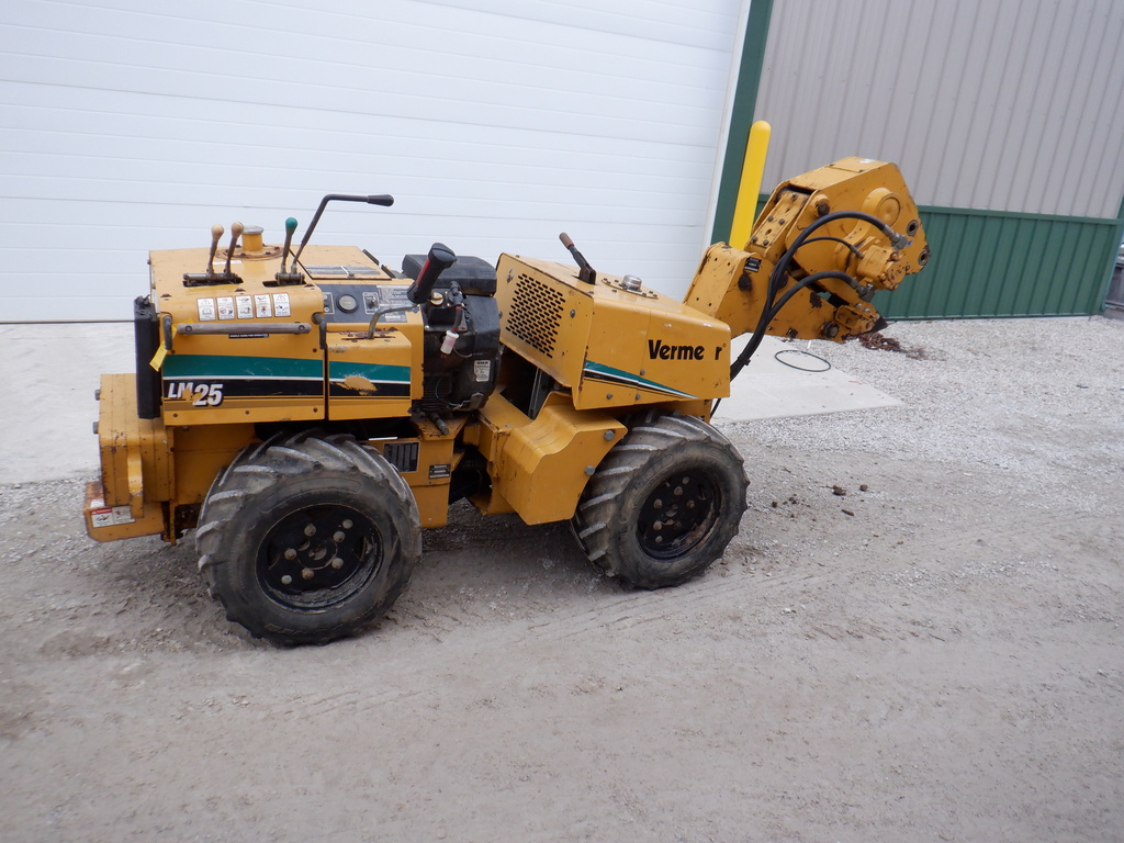 USED 2006 VERMEER LM25 WALK-BESIDE VIBRATORY PLOW EQUIPMENT #3160