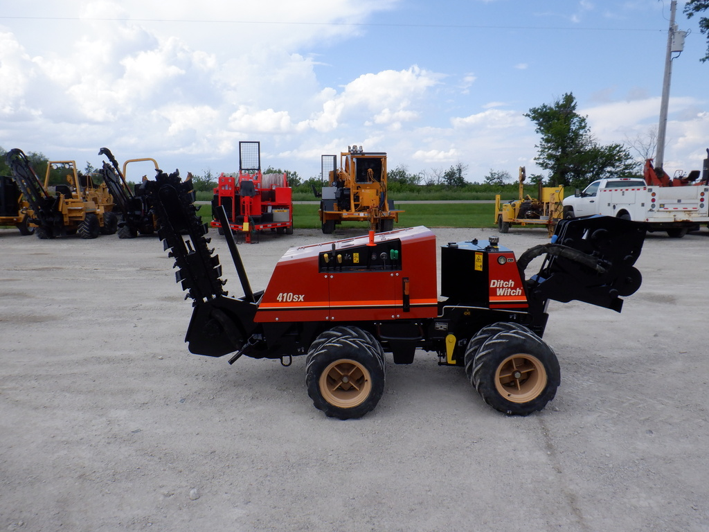 USED 2007 DITCH WITCH 410SX WALK-BESIDE TRENCHER - VIBRATORY PLOW EQUIPMENT #3228