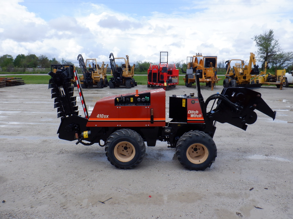 USED 2005 DITCH WITCH 410SX WALK-BESIDE TRENCHER - VIBRATORY PLOW EQUIPMENT #3229