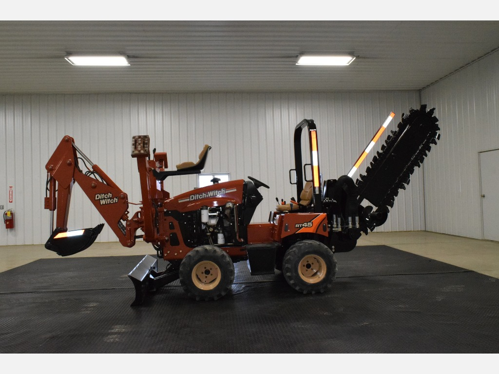 USED 2015 DITCH WITCH RT45 RIDE-ON TRENCHER EQUIPMENT #3313