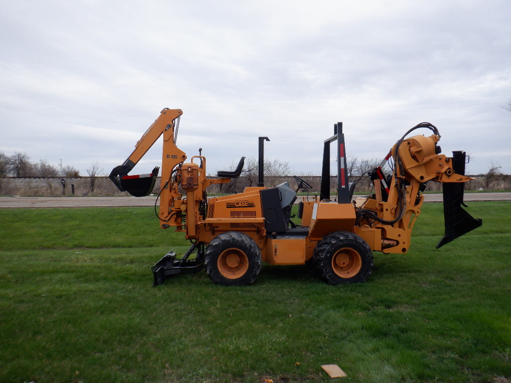USED 2001 CASE 660 RIDE-ON TRENCHER - VIBRATORY PLOW EQUIPMENT #3460