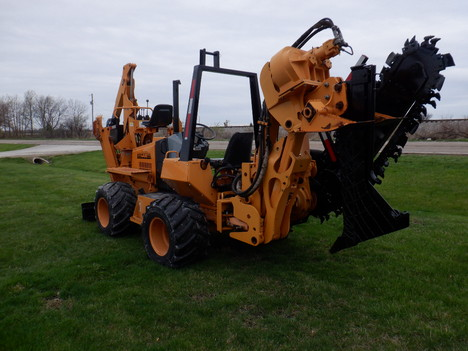 USED 2001 CASE 660 RIDE-ON TRENCHER - VIBRATORY PLOW EQUIPMENT #3460-3