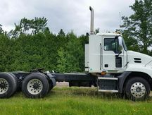 USED 2009 MACK PINNACLE CXU613 TANDEM AXLE DAYCAB TRUCK #1024-6