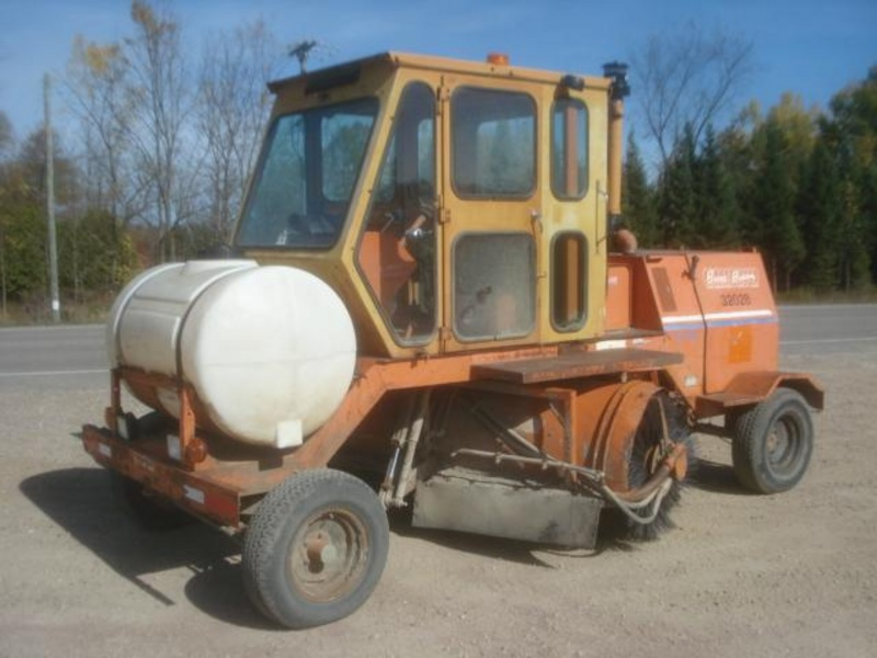 USED BROCE RJ300 SWEEPER EQUIPMENT #1263