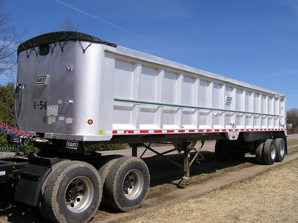 USED 2005 EAST END DUMP TRAILER #1696