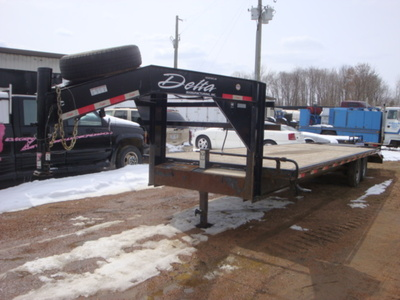 USED 2015 DELTA MFG INC 38' GOOSENECK TRAILER #1989-1