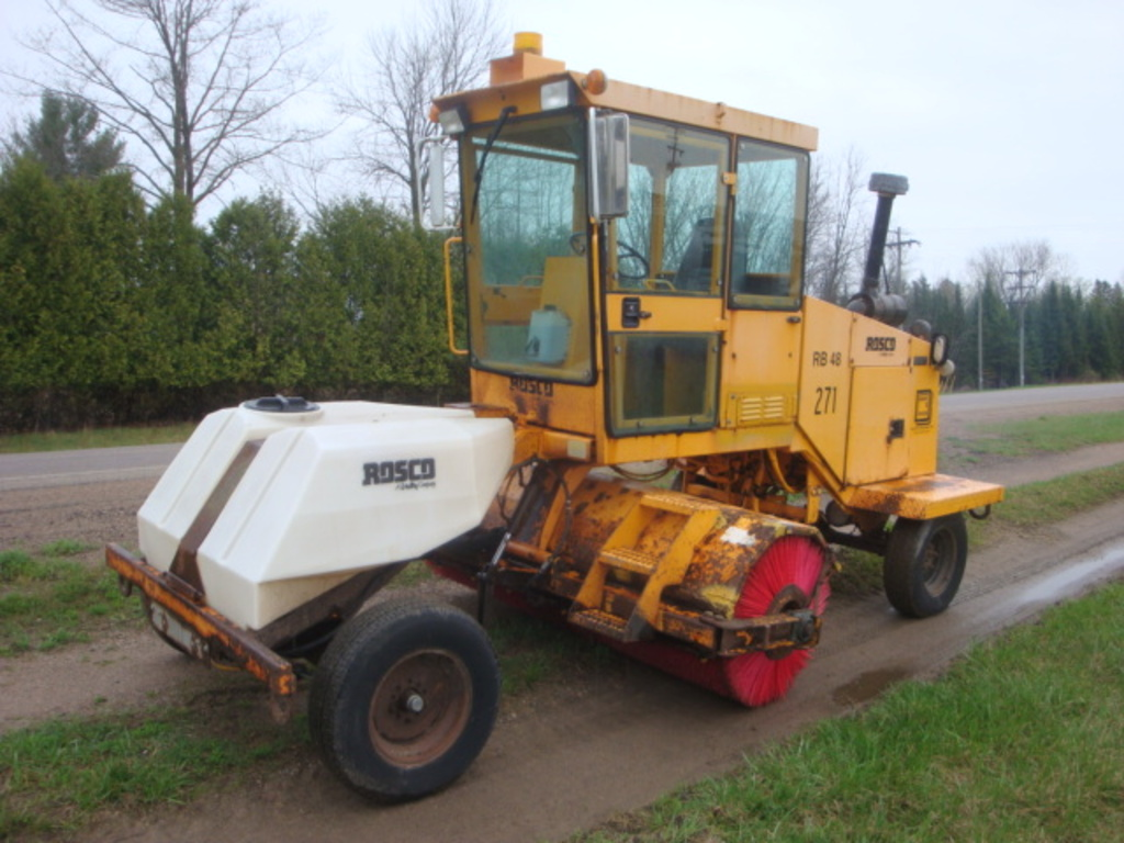 USED 2002 ROSCO RB-48 SWEEPER EQUIPMENT #2026