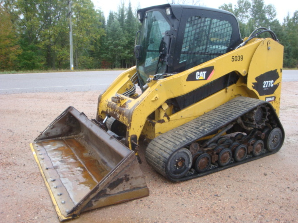 2010 CATERPILLAR 277C Skid Steer Crawler #1
